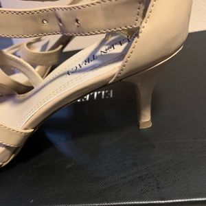 Ellen Tracy heels